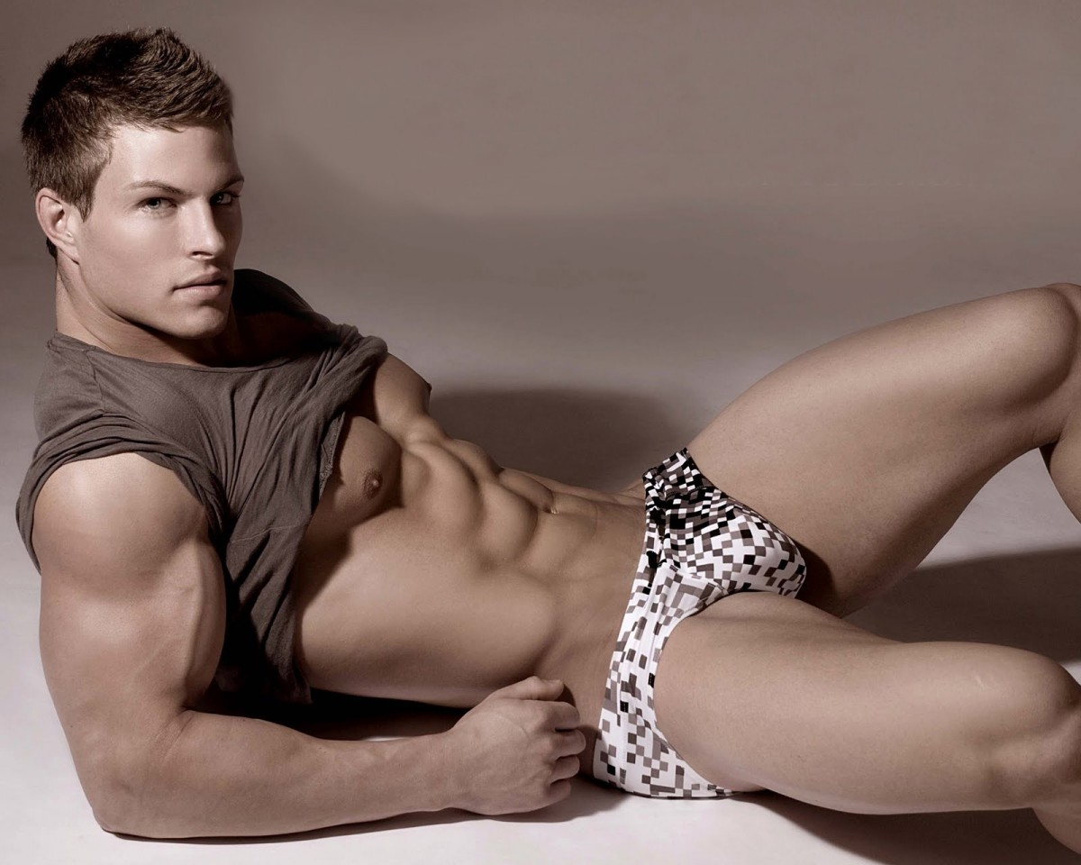HUNK OF THE DAY - STEFAN GATT